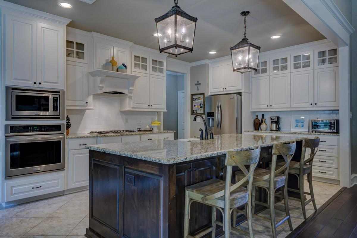 7 Kitchen Decorating Tips Every Homeowner Should Know